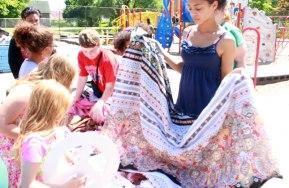 ree Market: On the Playground 3